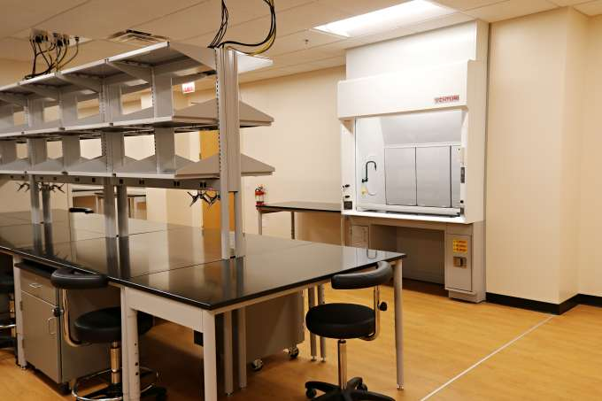 new mbi lab tables